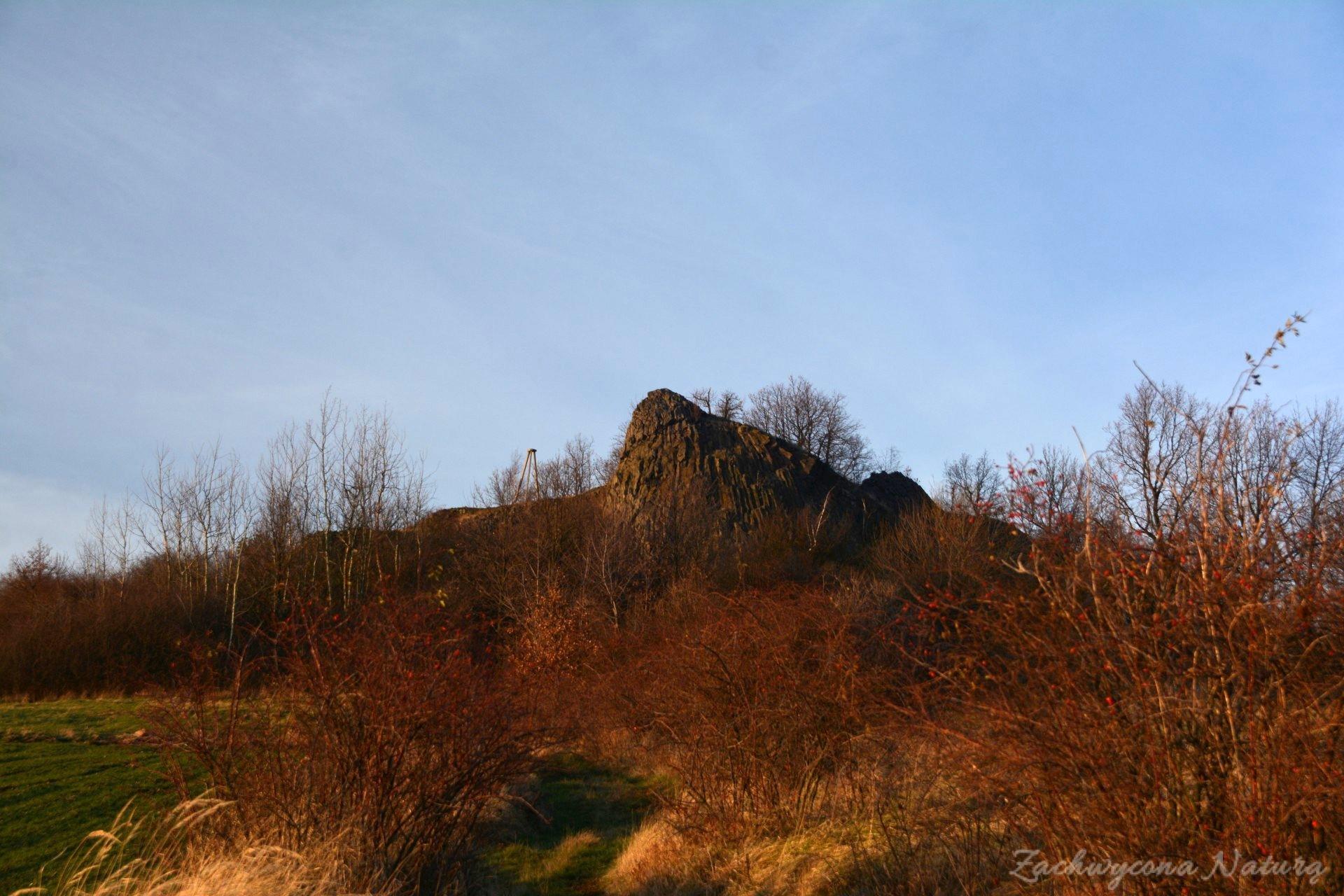 szlakiem-wygaslych-wulkanow-czartowska-skala-3