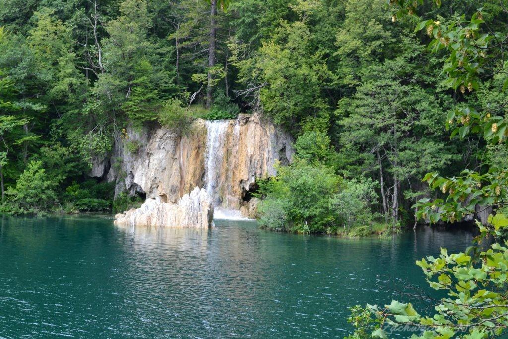 Turkusowe jeziora i piękne wodospady - Jeziora Plitwickie (12)