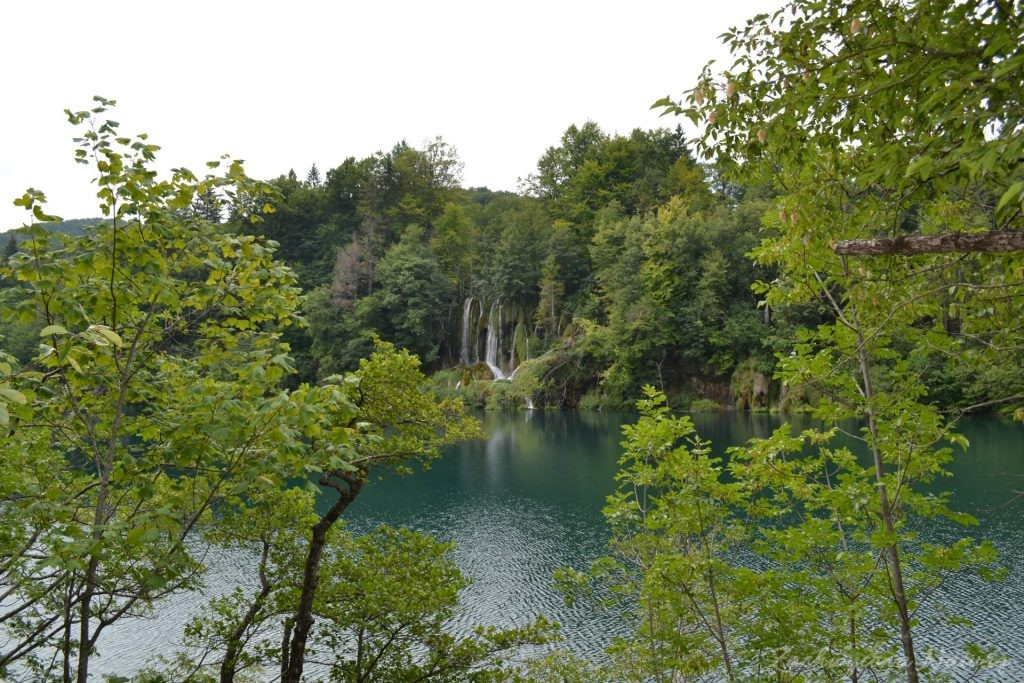 Turkusowe jeziora i piękne wodospady - Jeziora Plitwickie (15)