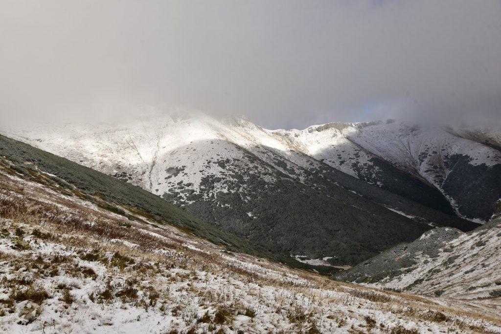 W poszukiwaniu jesieni, (a może zimy) w Tatrach Bielskich - tym razem dotarliśmy do Szerokiej Przełęczy (22)