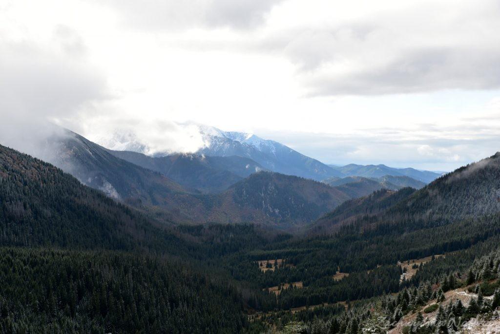 W poszukiwaniu jesieni, (a może zimy) w Tatrach Bielskich - tym razem dotarliśmy do Szerokiej Przełęczy (60)